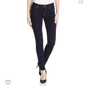Levi Women's 711 dark wash skinny jean